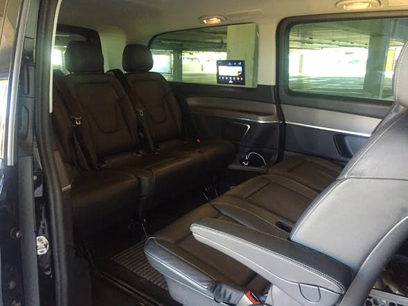 location mercedes classe v 2015 diesel automatique 8 places tremblay en france terminal 2d. Black Bedroom Furniture Sets. Home Design Ideas