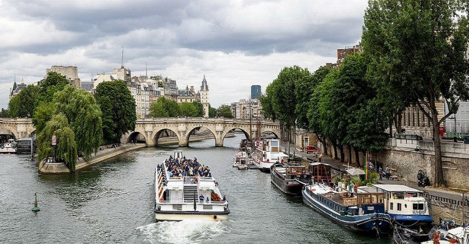 Bords de Seine et pont, Paris