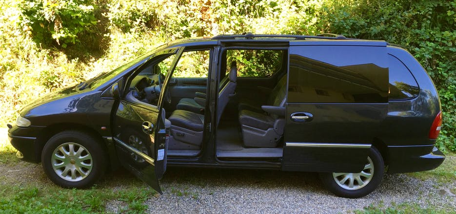 chrysler grand voyager 2001 automatik 6 sitze in freiburg im breisgau schauinslandstra e 136. Black Bedroom Furniture Sets. Home Design Ideas