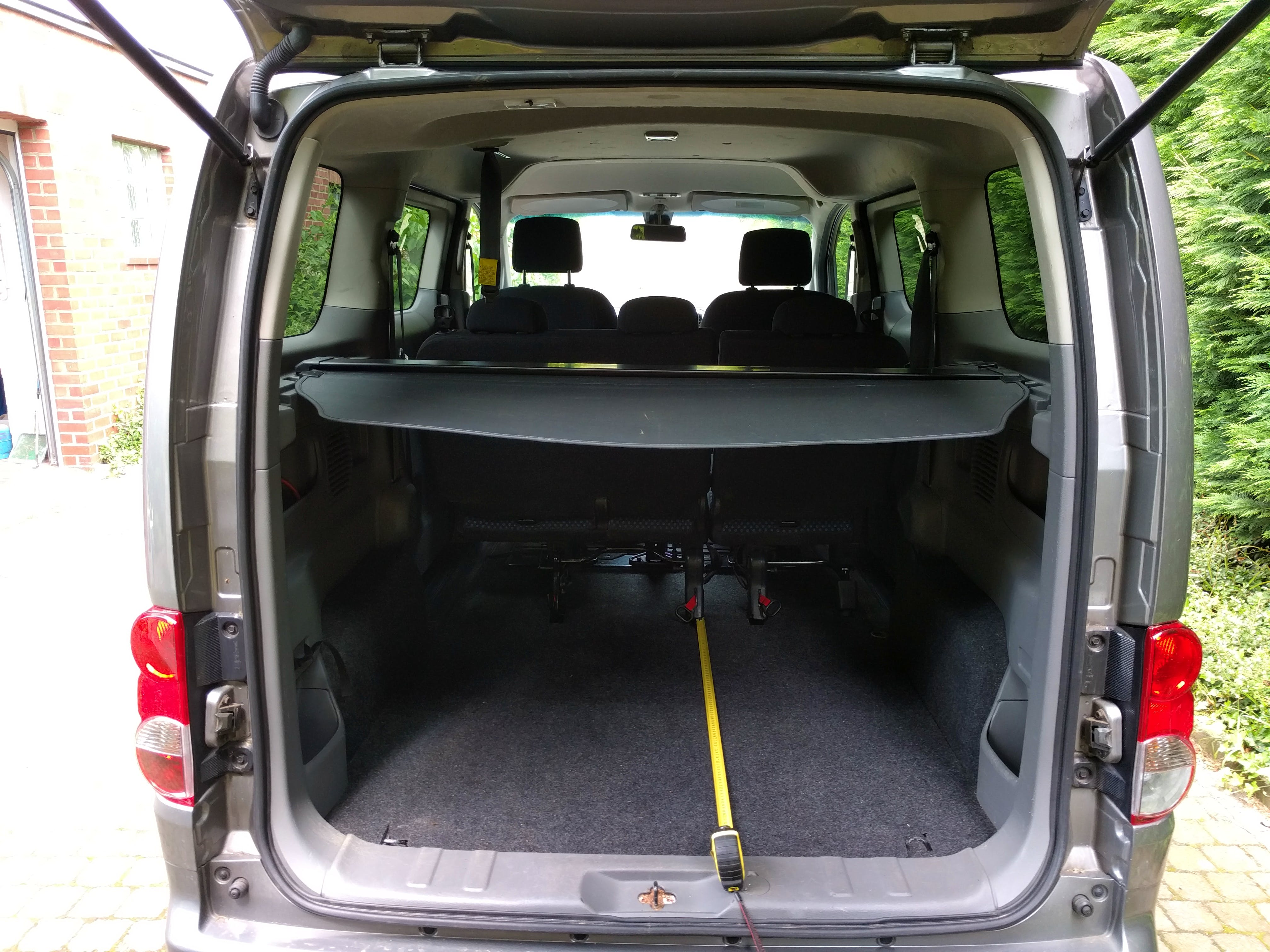 Nissan NV200 Combi - Luggage space will never be an issue.