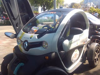 renault twizy 2012 elektroantrieb automatik in horgenzell. Black Bedroom Furniture Sets. Home Design Ideas