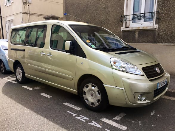 location minibus fiat scudo panorama 2008 diesel 9 places le chesnay 16 rue des anciens. Black Bedroom Furniture Sets. Home Design Ideas