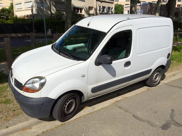 location utilitaire renault kangoo express 2006 diesel toulouse 42 avenue crampel. Black Bedroom Furniture Sets. Home Design Ideas