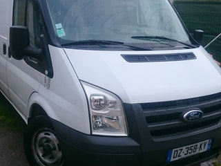 location utilitaire ford transit fourgon 2008 diesel labourse 10 rue des ftp. Black Bedroom Furniture Sets. Home Design Ideas