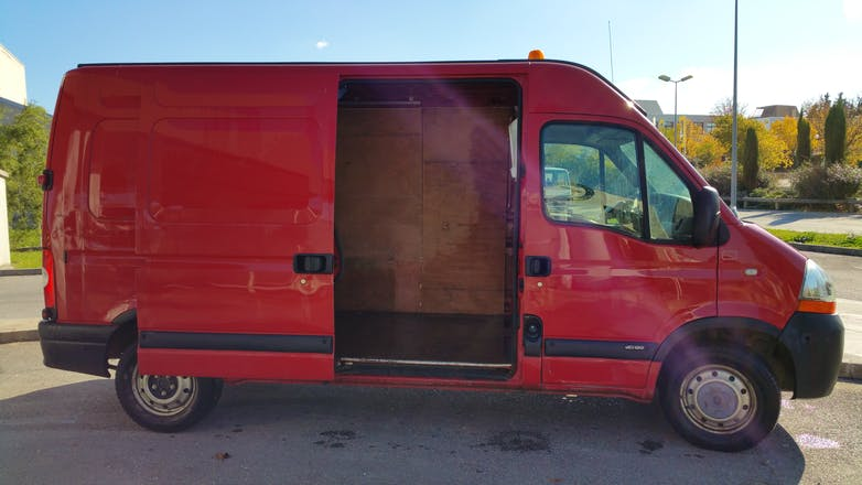 location utilitaire renault master 2009 diesel cahors 311 rue du pape jean xxiii. Black Bedroom Furniture Sets. Home Design Ideas