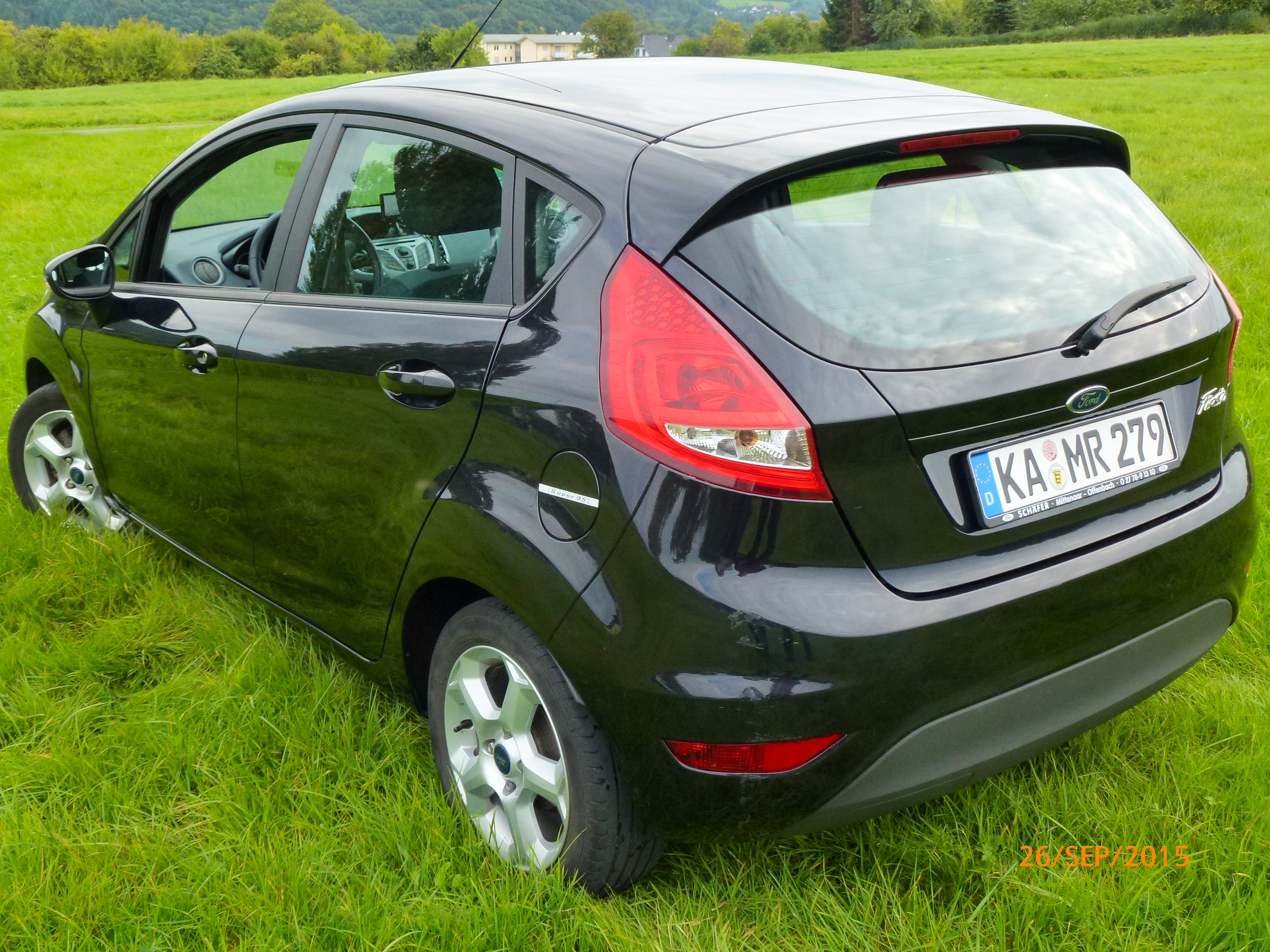 Ford Fiesta - Navi mit CD-Player