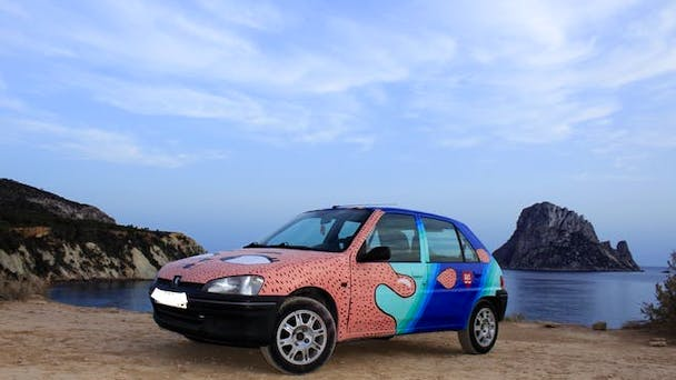 Peugeot 106 UPCYCLED Art-Car con Reproductor de CD