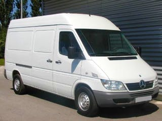 location utilitaire mercedes sprinter 2005 diesel montpellier place auguste gibert. Black Bedroom Furniture Sets. Home Design Ideas