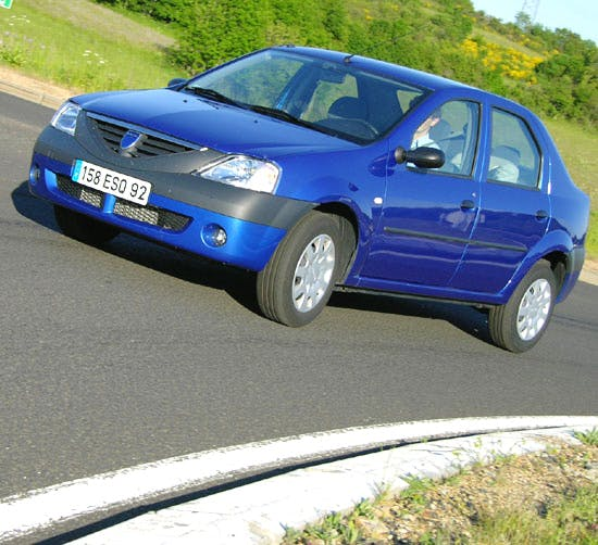 Dacia Logan, 2005, Essence