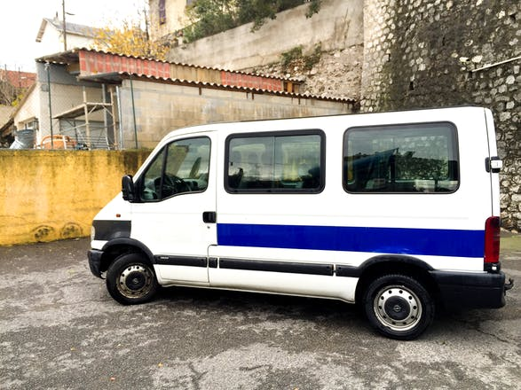 location minibus opel movano combibus 2003 diesel 9 places marseille gare de marseille saint. Black Bedroom Furniture Sets. Home Design Ideas