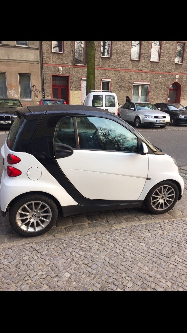 Smart Fortwo Coupé mhd mit Audio-/iPod-Zugang