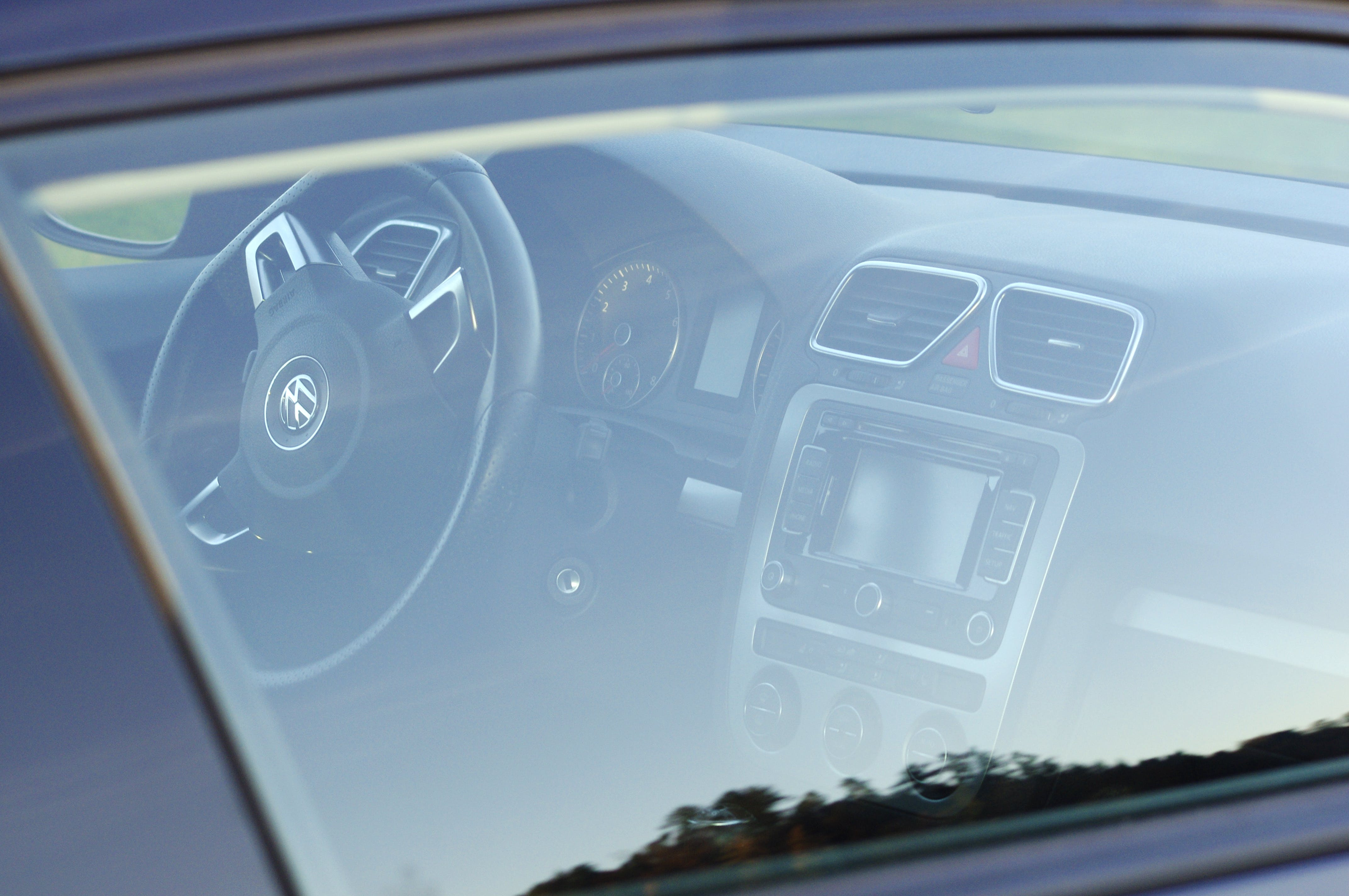 VW Scirocco 3 1.4 Sport Coupe Gengenbach mit CD-Player