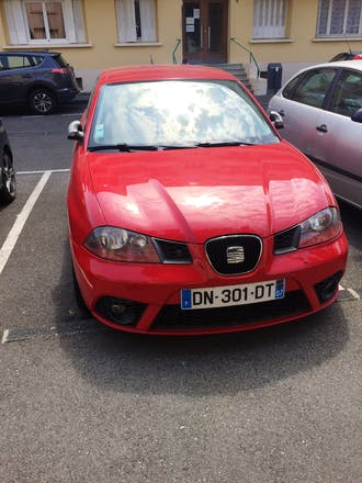 location seat ibiza 2006 diesel valence rue marc sangnier. Black Bedroom Furniture Sets. Home Design Ideas