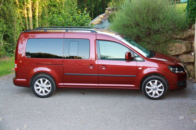 location volkswagen caddy maxi 2011 diesel automatique 7 places avranches. Black Bedroom Furniture Sets. Home Design Ideas