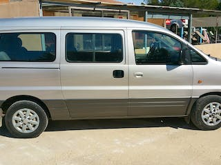location minibus hyundai satellite 2005 diesel 9 places. Black Bedroom Furniture Sets. Home Design Ideas