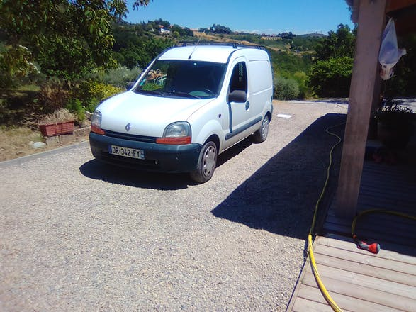 location renault kangoo 2000 manosque 1181 chemin de la source. Black Bedroom Furniture Sets. Home Design Ideas