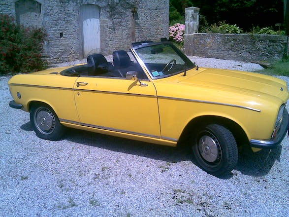location peugeot 304 cabriolet 1974 paris la fourche paris france. Black Bedroom Furniture Sets. Home Design Ideas
