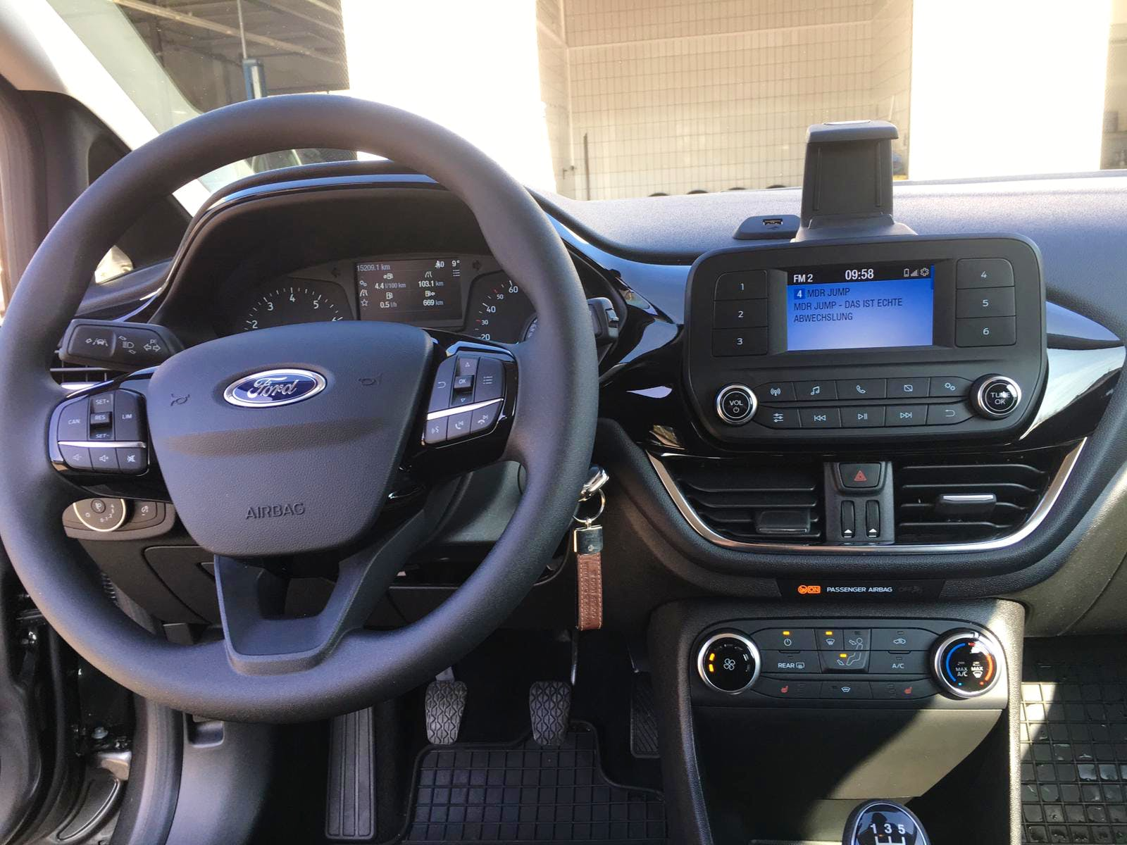 Ford Fiesta 1.1 Cool&Connect mit Audio-/iPod-Zugang
