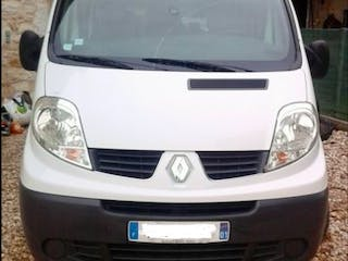 location utilitaire renault trafic 2006 diesel 6 places. Black Bedroom Furniture Sets. Home Design Ideas
