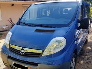 location minibus opel vivaro combi 2010 diesel 9 places toulouse saint agne toulouse france. Black Bedroom Furniture Sets. Home Design Ideas