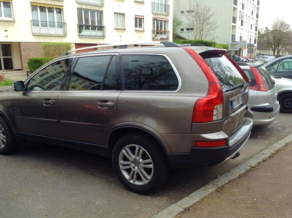 location volvo xc90 2007 diesel automatique 7 places saint germain en laye 27 rue schnapper. Black Bedroom Furniture Sets. Home Design Ideas