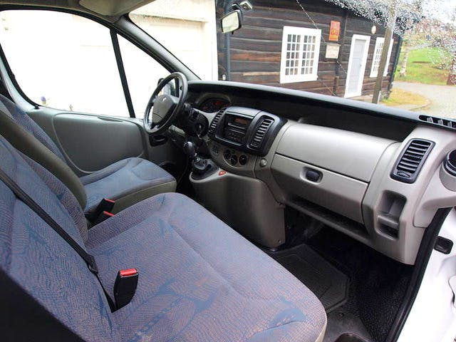 Renault Trafic Passenger 2 avec Chaines