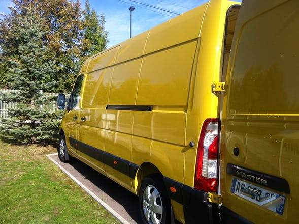 location utilitaire renault master 2010 diesel rosi res pr s troyes 69 rue jean arson. Black Bedroom Furniture Sets. Home Design Ideas