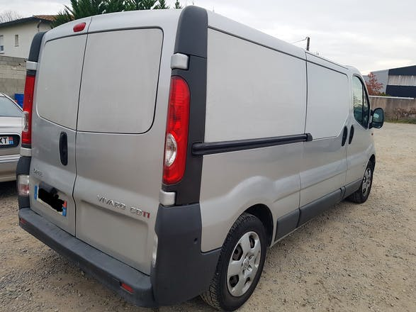 location minibus renault trafic passenger 2011 diesel 9 places ramonville saint agne ramonville. Black Bedroom Furniture Sets. Home Design Ideas