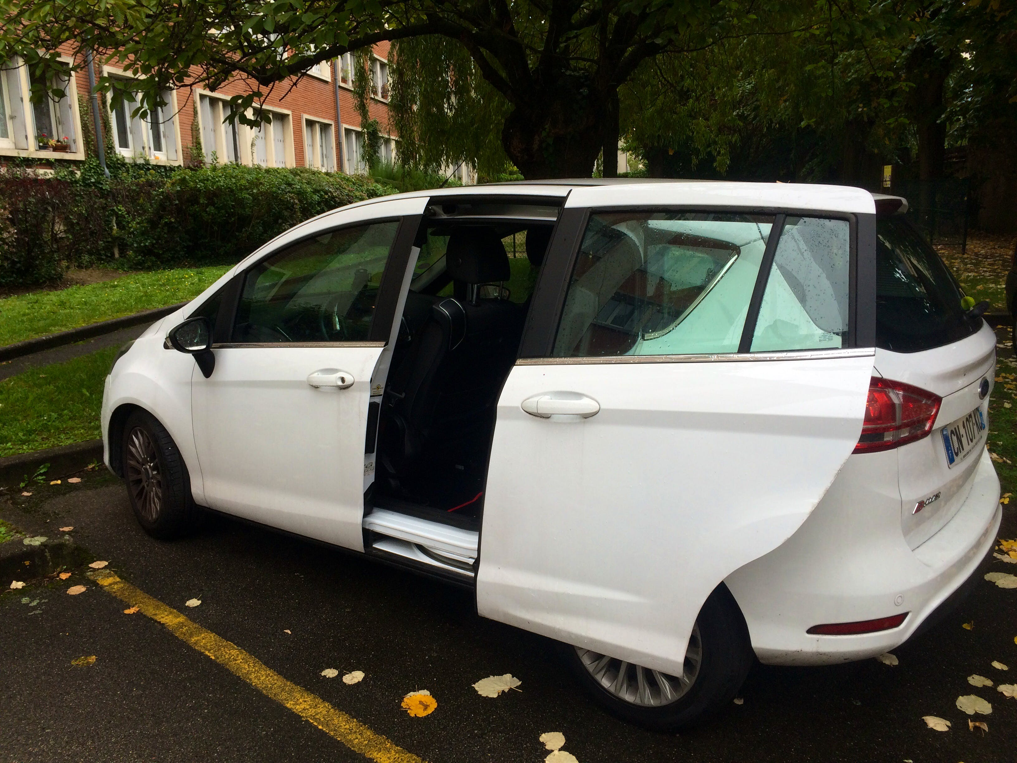 Ford B-Max avec Climatisation