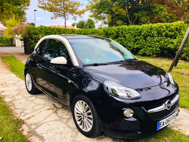 Opel Adam, 2016, Essence