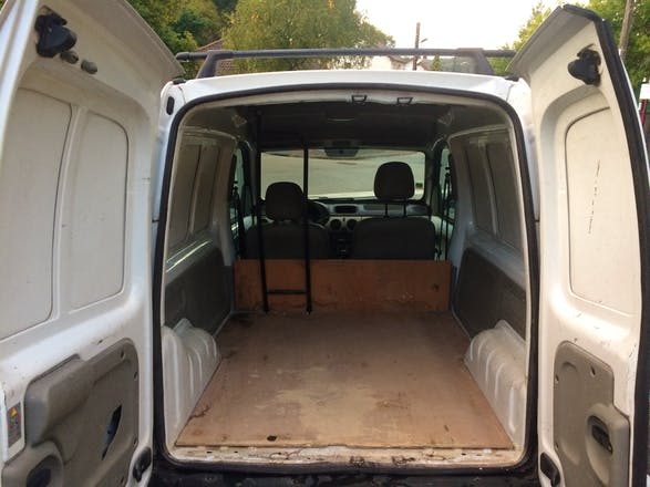 location utilitaire renault kangoo express 2003 diesel versailles gare de versailles chantiers. Black Bedroom Furniture Sets. Home Design Ideas