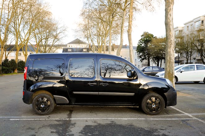 location utilitaire renault kangoo express 2014 diesel angers 1 place de la gare. Black Bedroom Furniture Sets. Home Design Ideas