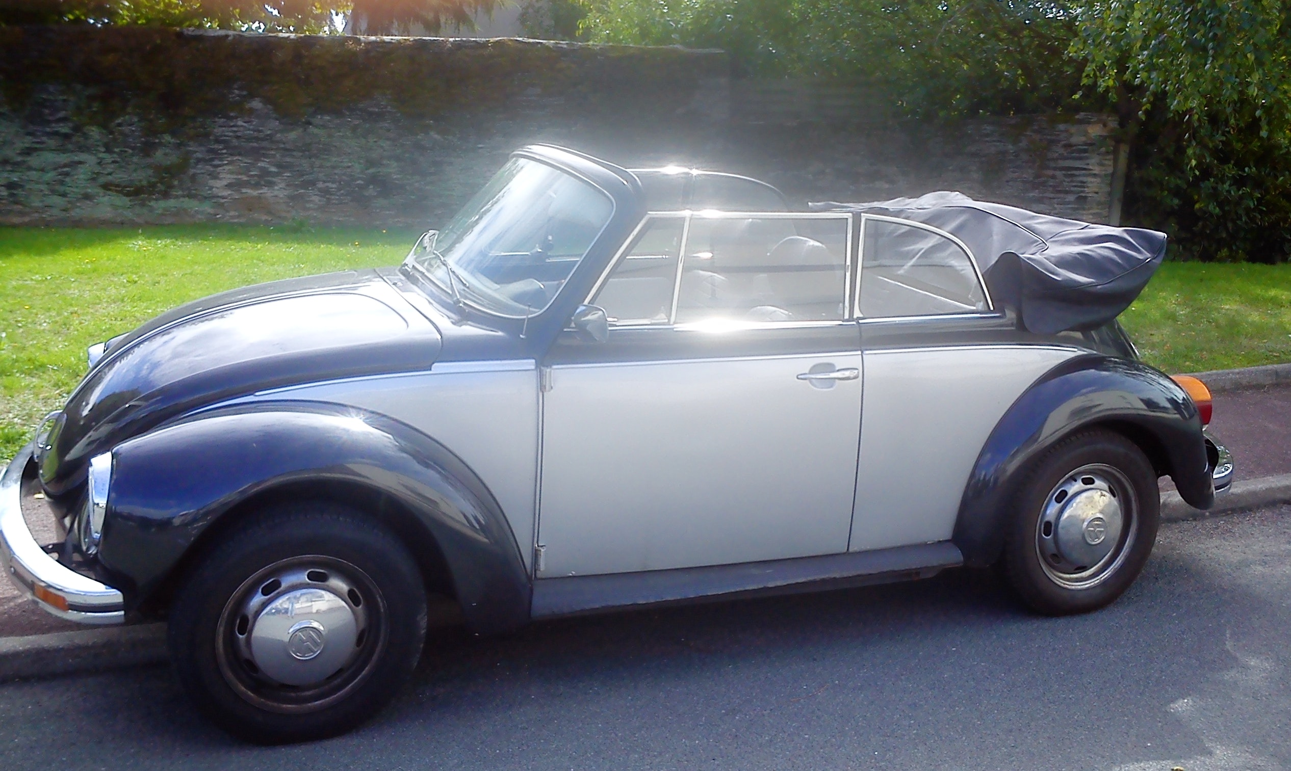 Volkswagen Coccinelle cabriolet Collection 76, 1976, Essence - Collection Angers (49)