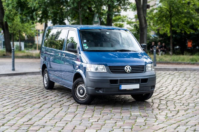 van volkswagen transporter combi 2007 diesel 8 sitze in berlin krossener stra e mieten. Black Bedroom Furniture Sets. Home Design Ideas