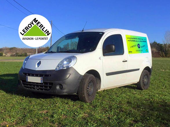 location utilitaire renault kangoo express 2012 diesel le pontet 193 avenue isaac newton. Black Bedroom Furniture Sets. Home Design Ideas