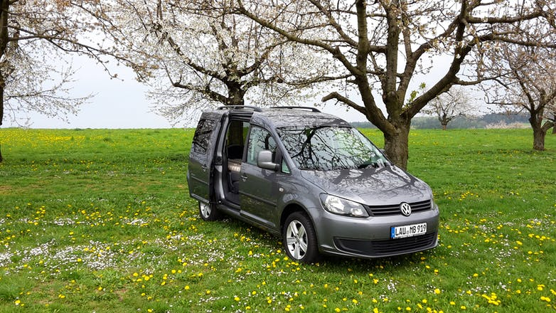 volkswagen caddy tramper 2014 in wiesbaden mittelheimer str 11 mieten. Black Bedroom Furniture Sets. Home Design Ideas
