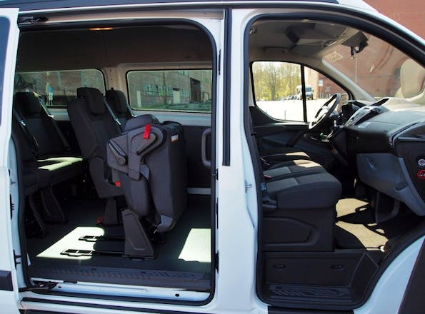 van ford transit custom kombi 2014 diesel 9 sitze in. Black Bedroom Furniture Sets. Home Design Ideas