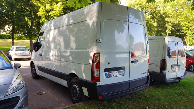 location utilitaire opel movano 2011 diesel bi vres 2 rue l on mignotte. Black Bedroom Furniture Sets. Home Design Ideas