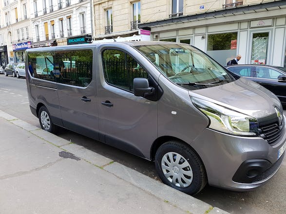 location minibus renault trafic passenger 2017 diesel 9 places paris 208 avenue du maine. Black Bedroom Furniture Sets. Home Design Ideas