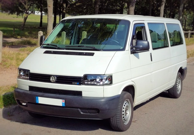 location minibus volkswagen caravelle 2002 diesel 8 places paris. Black Bedroom Furniture Sets. Home Design Ideas