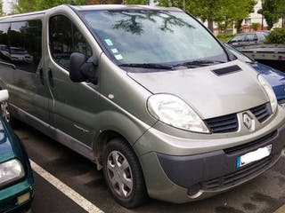 location minibus renault trafic passenger 2007 diesel 9 places trappes square henri wallon. Black Bedroom Furniture Sets. Home Design Ideas
