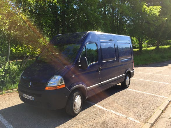 location utilitaire renault master 2010 diesel rouen 49 quai cavelier de la salle. Black Bedroom Furniture Sets. Home Design Ideas