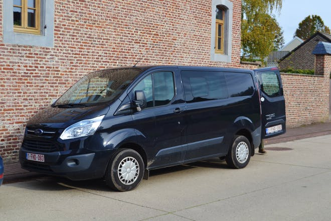location minibus ford transit custom kombi 2013 diesel 6 places gingelom dr kempeneersstraat. Black Bedroom Furniture Sets. Home Design Ideas