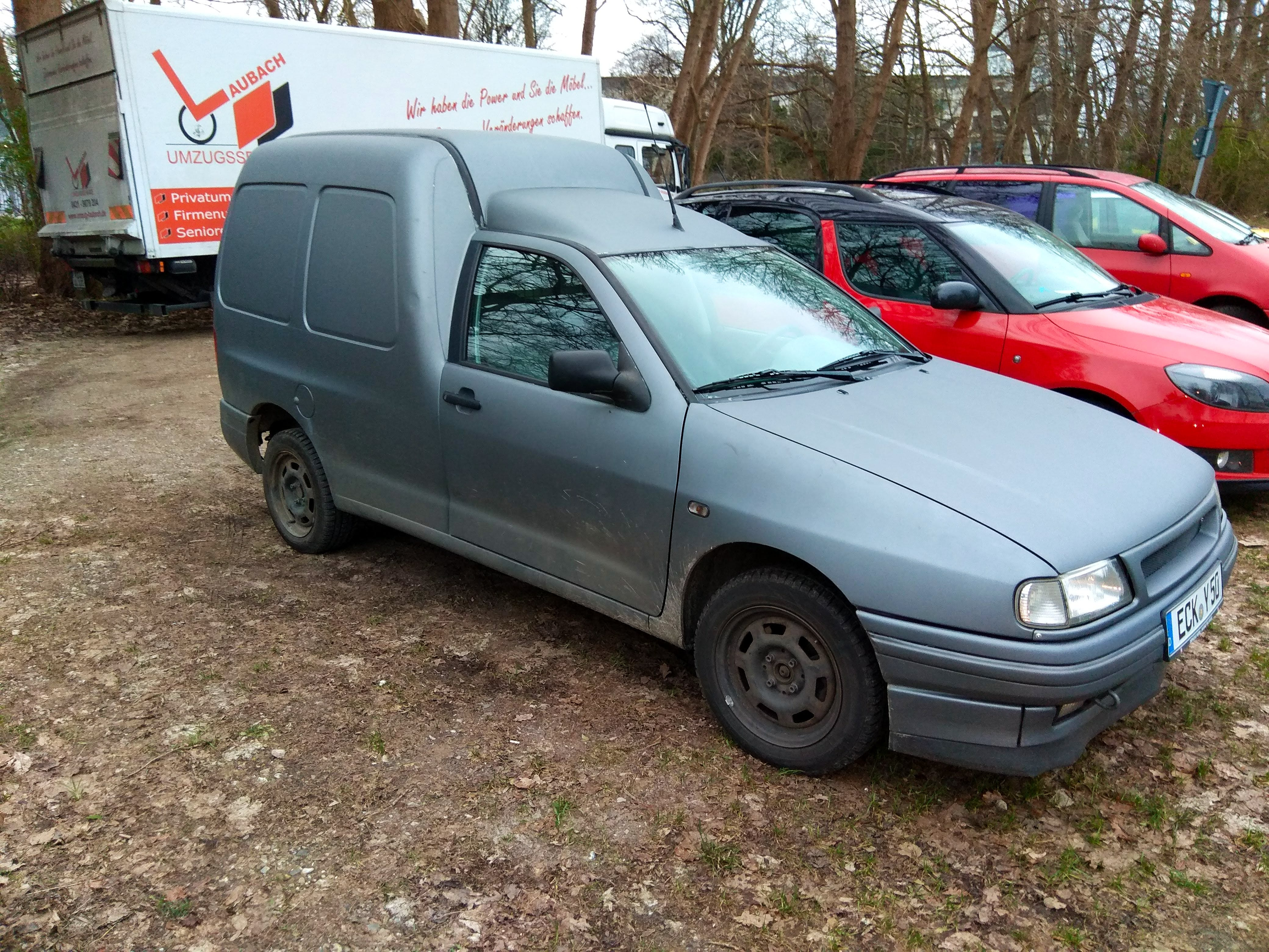 Volkswagen Caddy Van Kastenwagen mit CD-Player