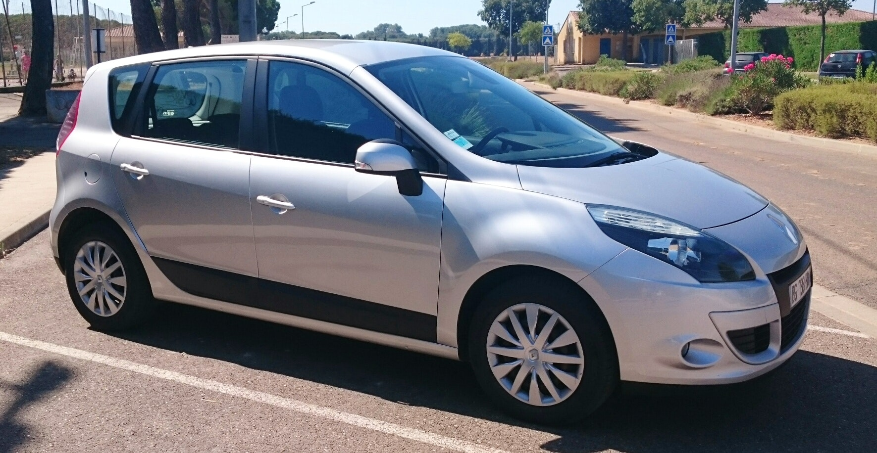 Renault  Scenic III 1.5 dci 110 cv expression, 2011, Diesel - Familiale Nîmes (30)