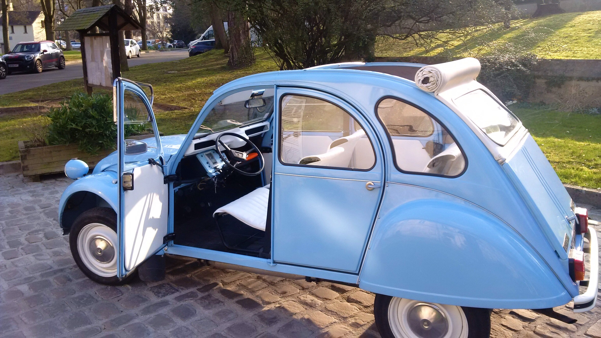 Citroën 2 CV Blue Virgin, 1983, Essence