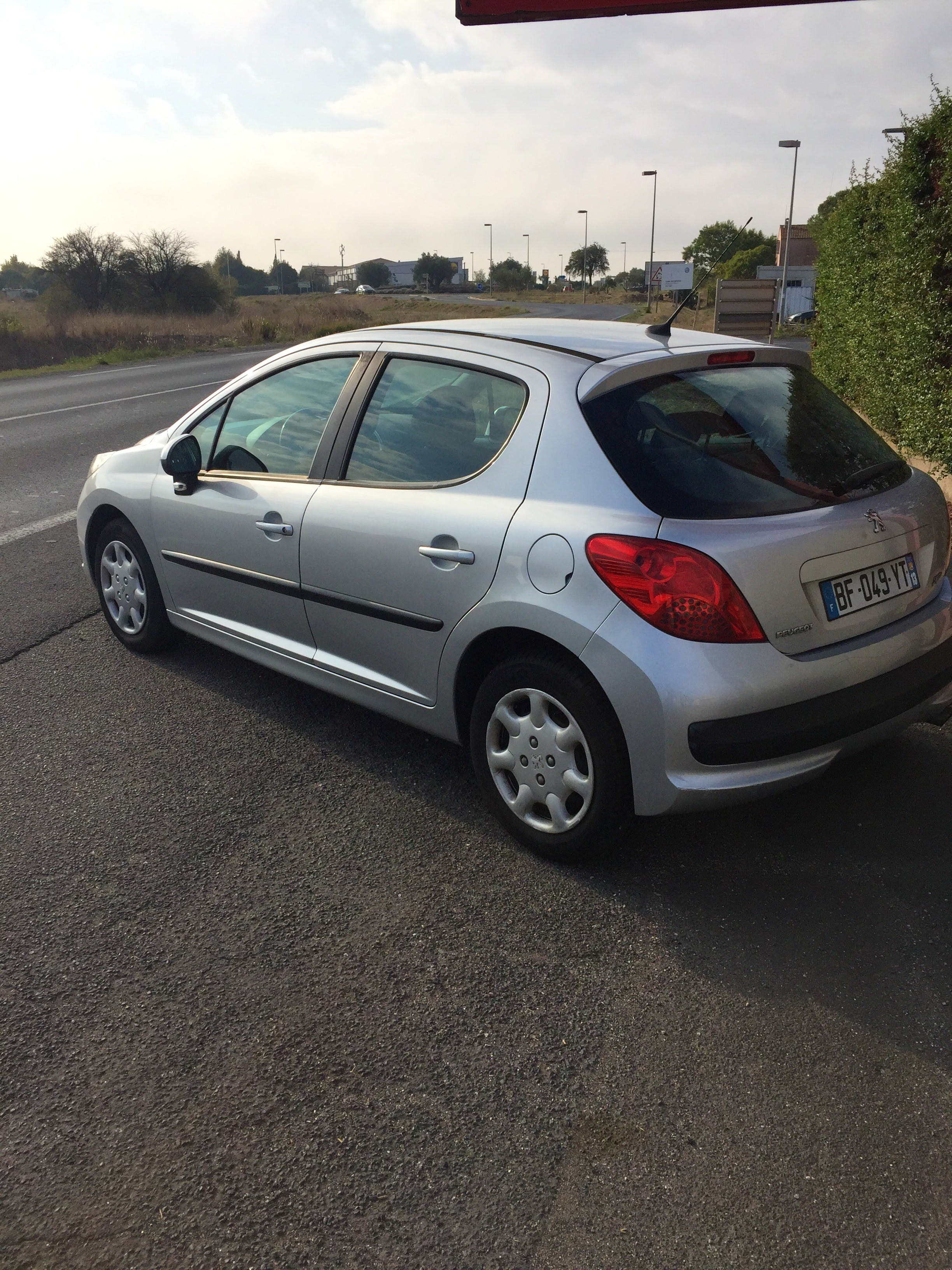 Peugeot 207 1,6 HDI 90ch avec Climatisation