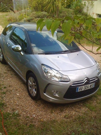 location citroen ds3 diesel versailles avec gps. Black Bedroom Furniture Sets. Home Design Ideas