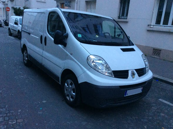 location utilitaire renault trafic 2012 diesel paris 4 rue de saint marceaux. Black Bedroom Furniture Sets. Home Design Ideas
