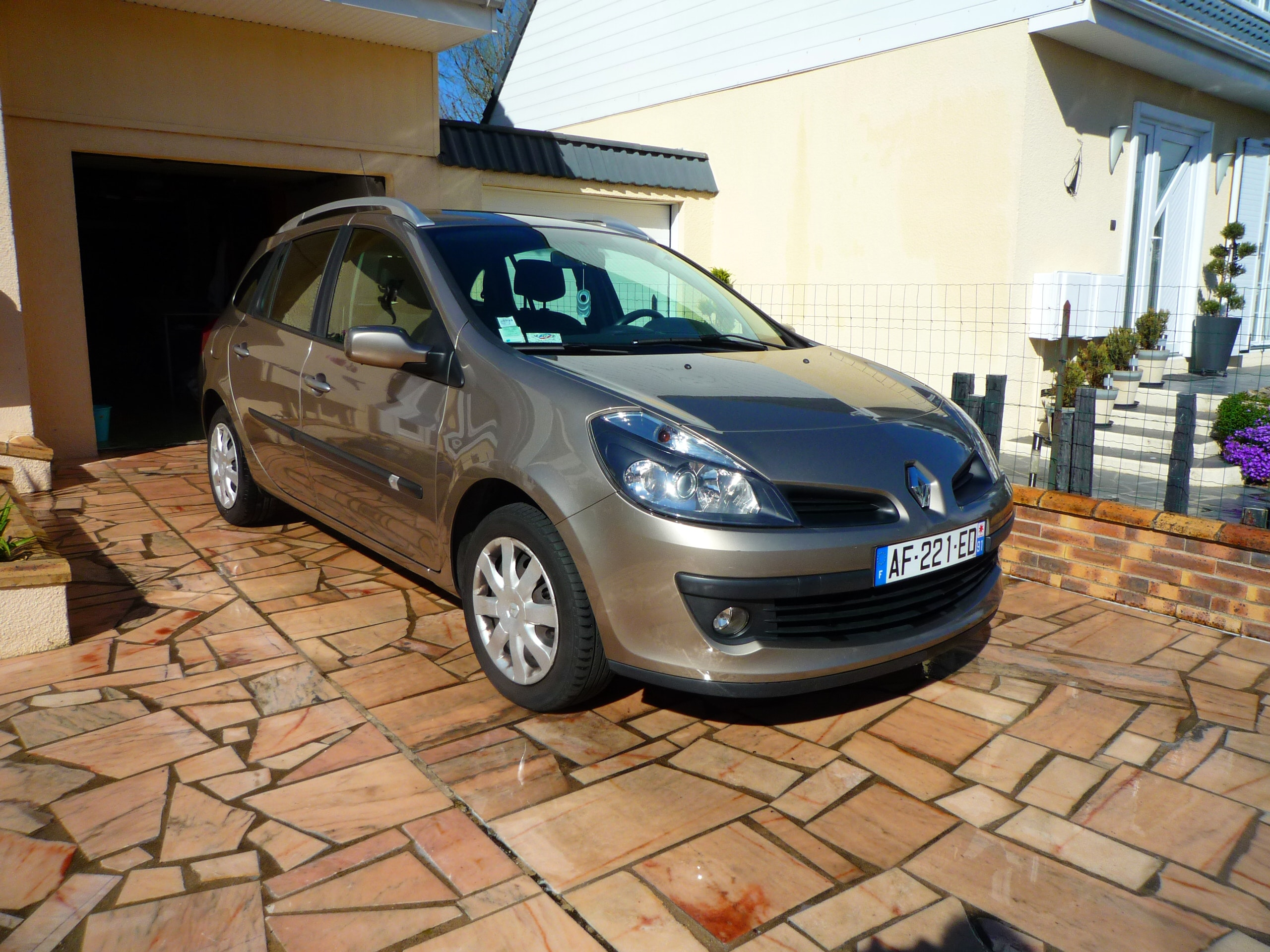 RENAULT CLIO ESTATE, 2008, Diesel - Break Savigny-le-Temple (77)